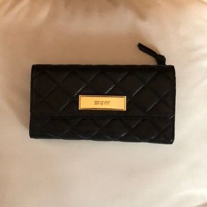 DKNY quilted black wallet